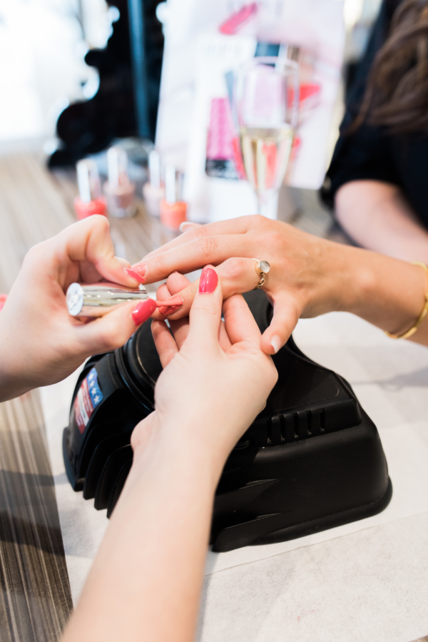 nagel behandeling bij Bobline Hair & beauty